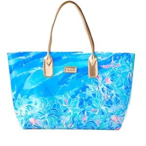 NWT Lilly Pulitzer Celestial Seas Engineered Tote